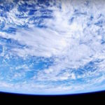 宇宙から撮影した地球の4K動画がスゴい!悩みを消してしまう!